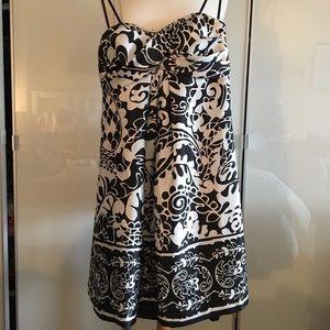 Beautiful Xscape strapless dress